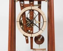 Clock 173, 175 front